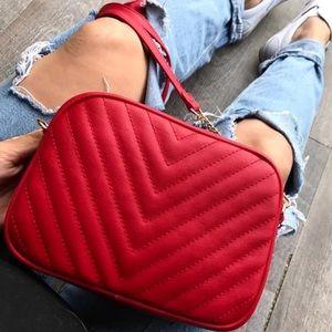 Red crossbody purse ✨